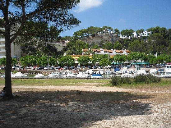 Galdana Gardens Apartments: Apartments from beach