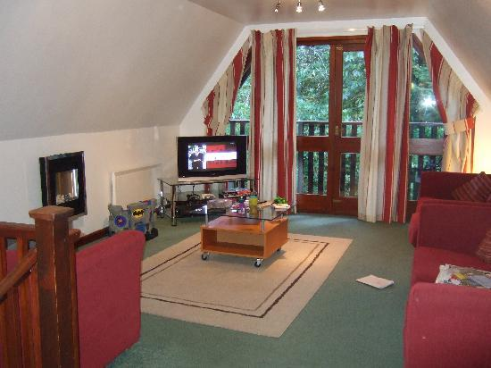 Attractive St. Ives Holiday Village: Upstairs Living Room. The Chalets Part 21