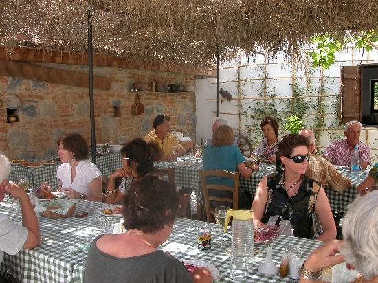 Ambelikos AgroHotel: Food for Friends - we thoroughly enjoyed our visit