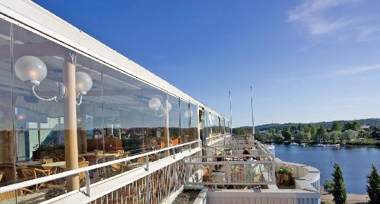 Savonlinnan Seurahuone Ravintola Terassi Muikkubaari: View of Terrace Restaurant