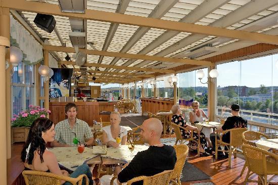 Savonlinnan Seurahuone Ravintola Terassi Muikkubaari: Terrace Restaurant