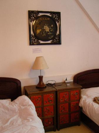 Red Lantern House: Twin room.