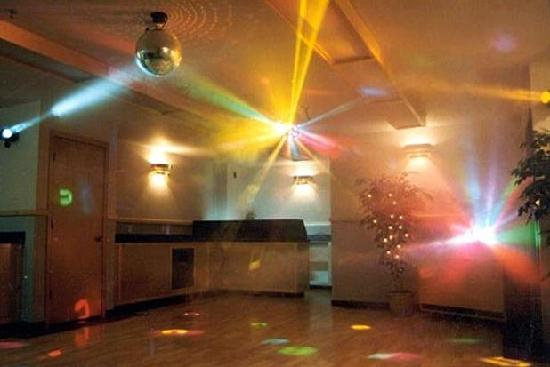 Silver Lake Motel: Dance Floor