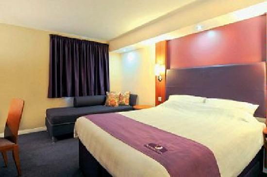 Premier Inn Rochester Hotel: Comfortable, spacious bedrooms