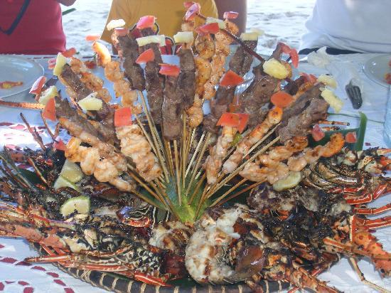 Andilana Beach Resort: Aragoste, gamberi e spiedini di zebù