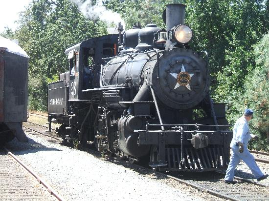 Jamestown, Californië: Locomotive used for train rides