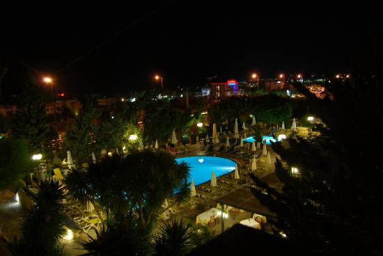 Anastasia Hotel: Night Photo