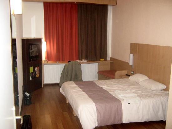 Ibis Dunkerque Centre: Room Shot 1