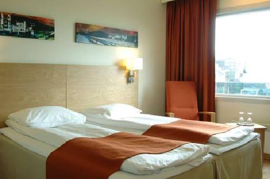 Scandic Bergen Airport : Hotel room