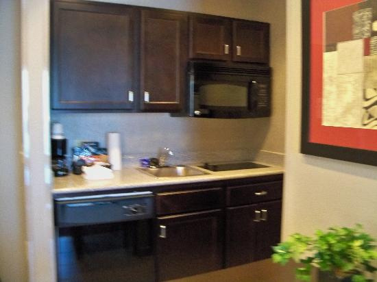 Homewood Suites by Hilton Leesburg: Kitchen
