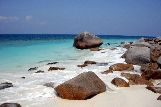 Pulau Lang Tengah, Malaysia: beach