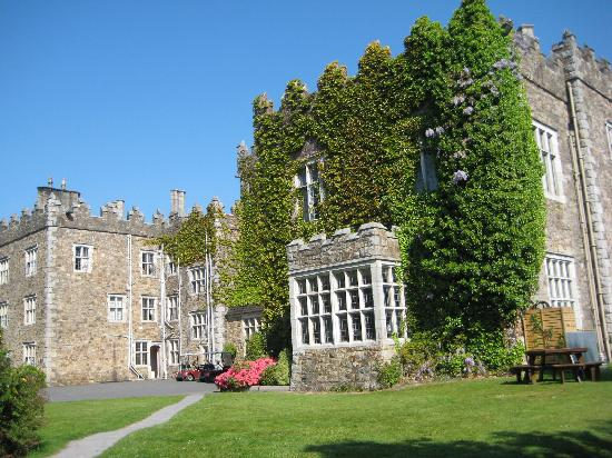 Waterford Castle Hotel & Golf Resort: Front of the castle