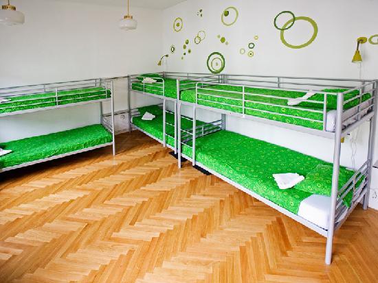 Zeppelin Hostel: dorms