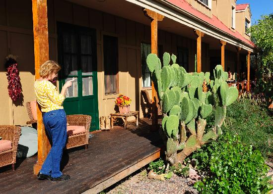 Tubac Country Inn: April Doing her thing ...working