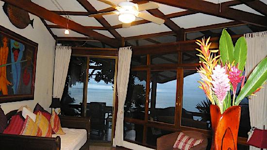 Tulemar Bungalows & Villas: the living room