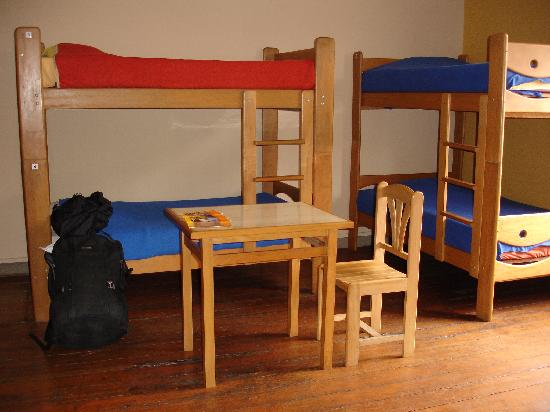 Hitchhikers Backpackers Lima Hostel: Mix Dorms with personal lockers