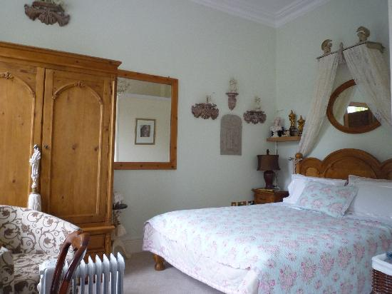 Magdalene House Guest Accommodation: Spacious room