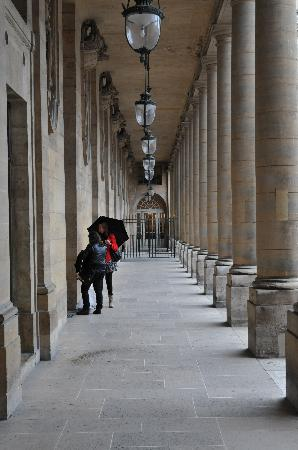 Photo Tours In Paris: Hallway
