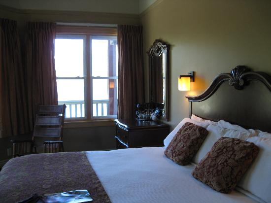 Kaslo Hotel: King room