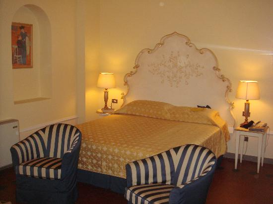 Residence Michelangiolo: Our beautiful bedroom