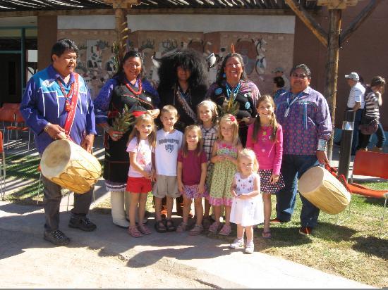 Indian Pueblo Cultural Center : Kids with Buffalo Dancers
