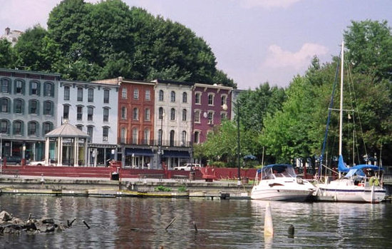 Rondout Inn: Rondout Waterfront