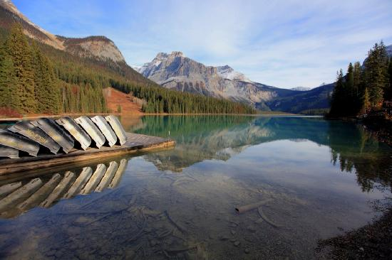 Fireweed Hostel: Nearby Emerald Lake