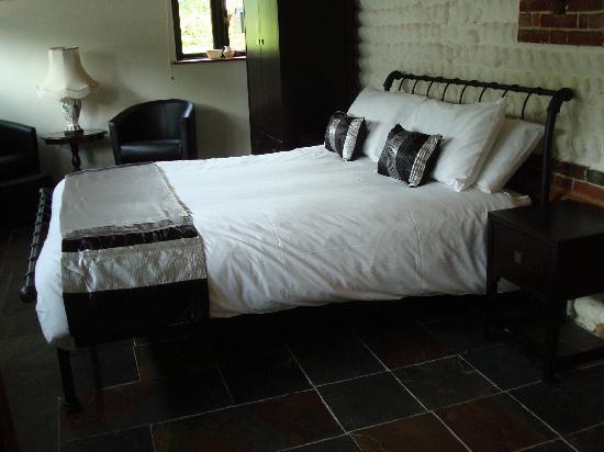 Glaven River Barns : Bedroom 1