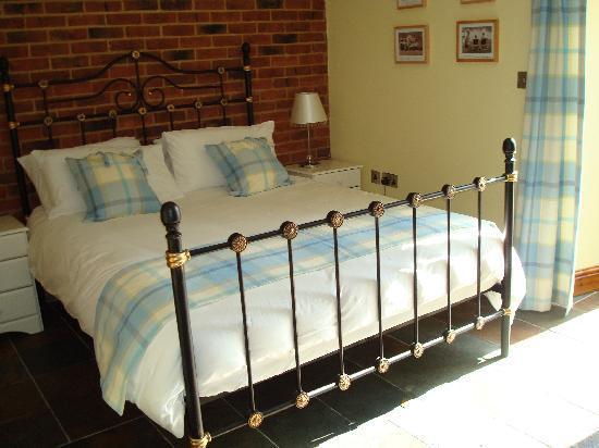Glaven River Barns : Bedroom 2