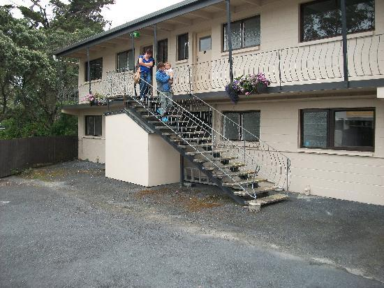 Falls Motel & Waterfront Campground: lovely and able to hear the falls close by