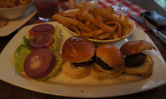 Saju Bistro: Mini Kobe Burgers