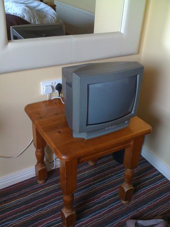 The Whistledown Hotel: Very low set and basic TV