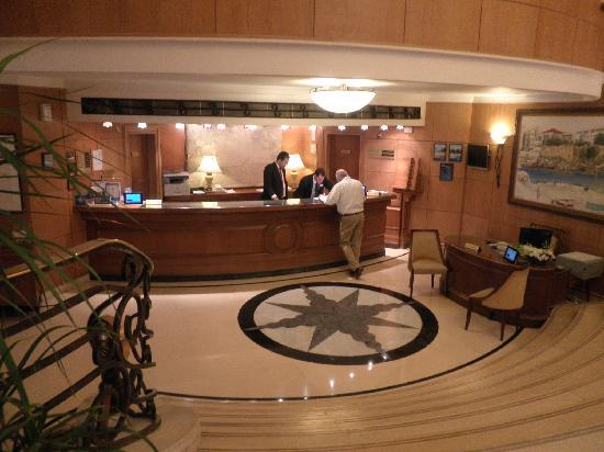 래디슨 블루 마르티네즈 호텔, 베이루트 이미지