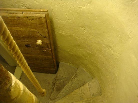 Peverell's Tower : Door to roof terrace