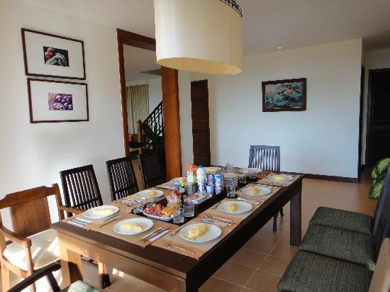 Rising Sun Residence: dining room