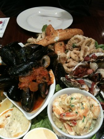 Del Giorno: seafood platter for two