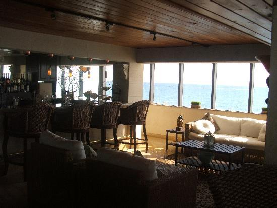 Palm Beach Oceanfront Inn : Tides Restaurant