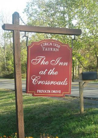The Inn at the Crossroads: Sign at Driveway
