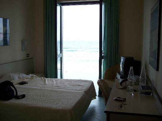 L'Approdo di Angelino : Our room