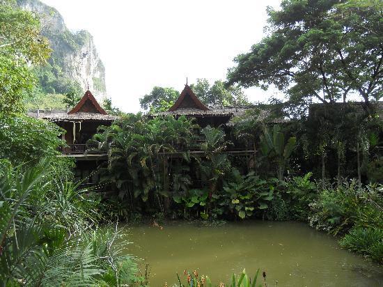 Somkiet Buri Resort: Bungalows Ground Floor o. First Level