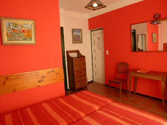 Hotel Port Helene : une chambre