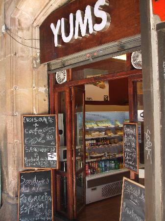 Acta Antibes: Yums Local home made food - just off Las Rambla