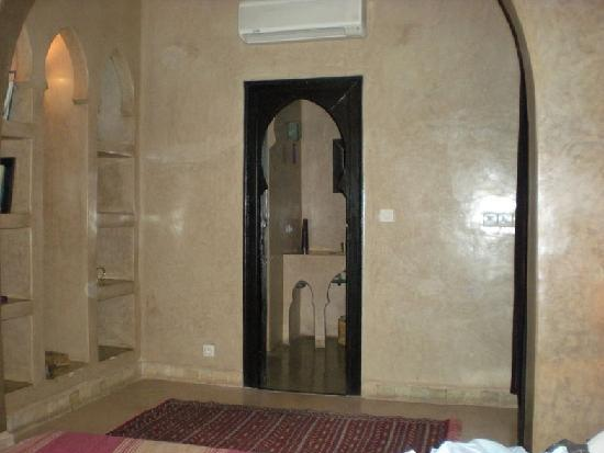 Riad Magellan Yoga: l'entrée et la salle de bain
