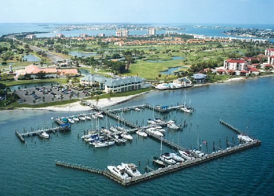 Isla Del Sol Yacht & Country Club: View of the Yacht Basin