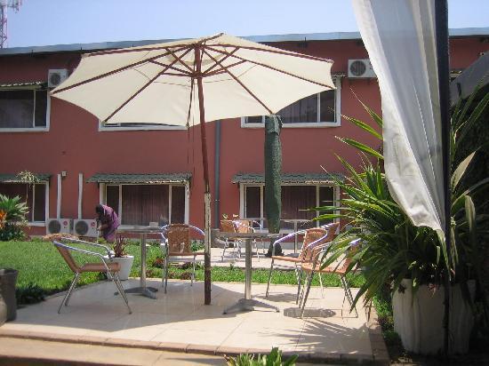 Hotel Cosmopolite: Inner courtyard, Hôtel Cosmopolite