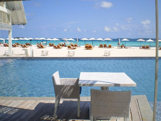 Four Seasons Resort Maldives at Landaa Giraavaru: blu restuarant
