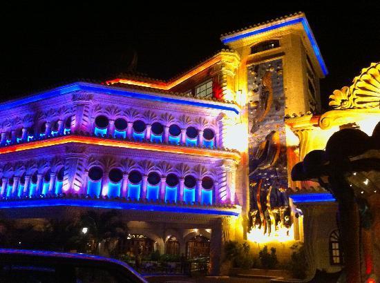 Oceanworld casino silver dollar casino and restaurant