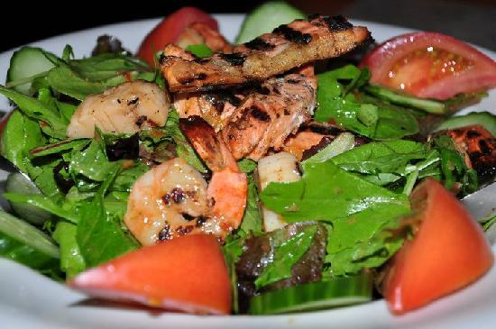 Black Iron Grill : Seafood Salad