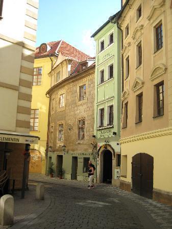 Hotel U Cerne Hvezdy : Front of the charming building