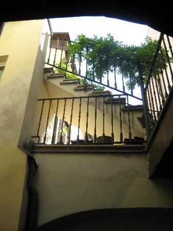 Hotel U Cerne Hvezdy: The indoor courtyard and stairwell to our room.